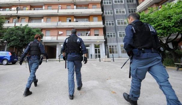 Porto Recanati, serrati controlli della Polizia all'Hotel House