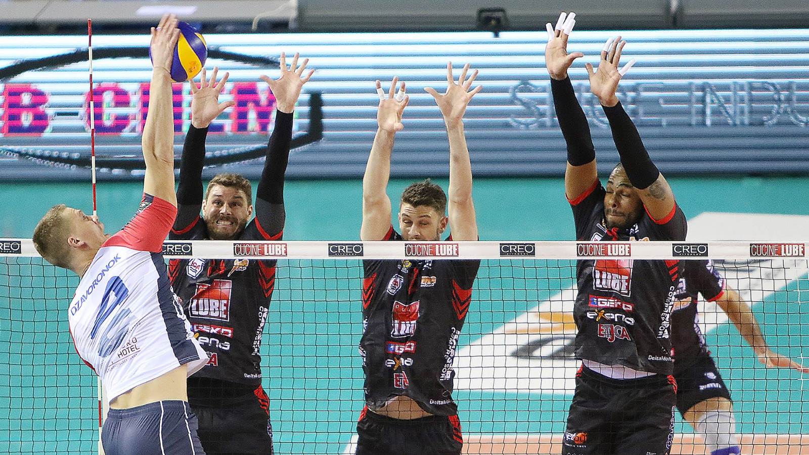 Lube alle Final Four di Coppa Italia, sofferto 3-2 con Monza