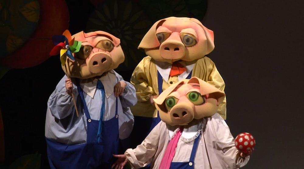 I tre porcellini al Teatro Annibal Caro di Civitanova Alta