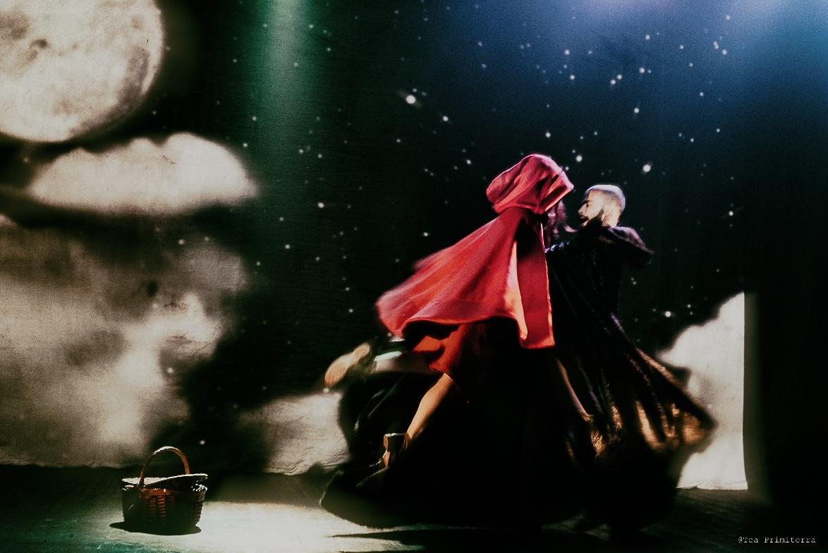 """Macerata, """"Cappuccetto rosso"""" al Teatro Lauro Rossi"""