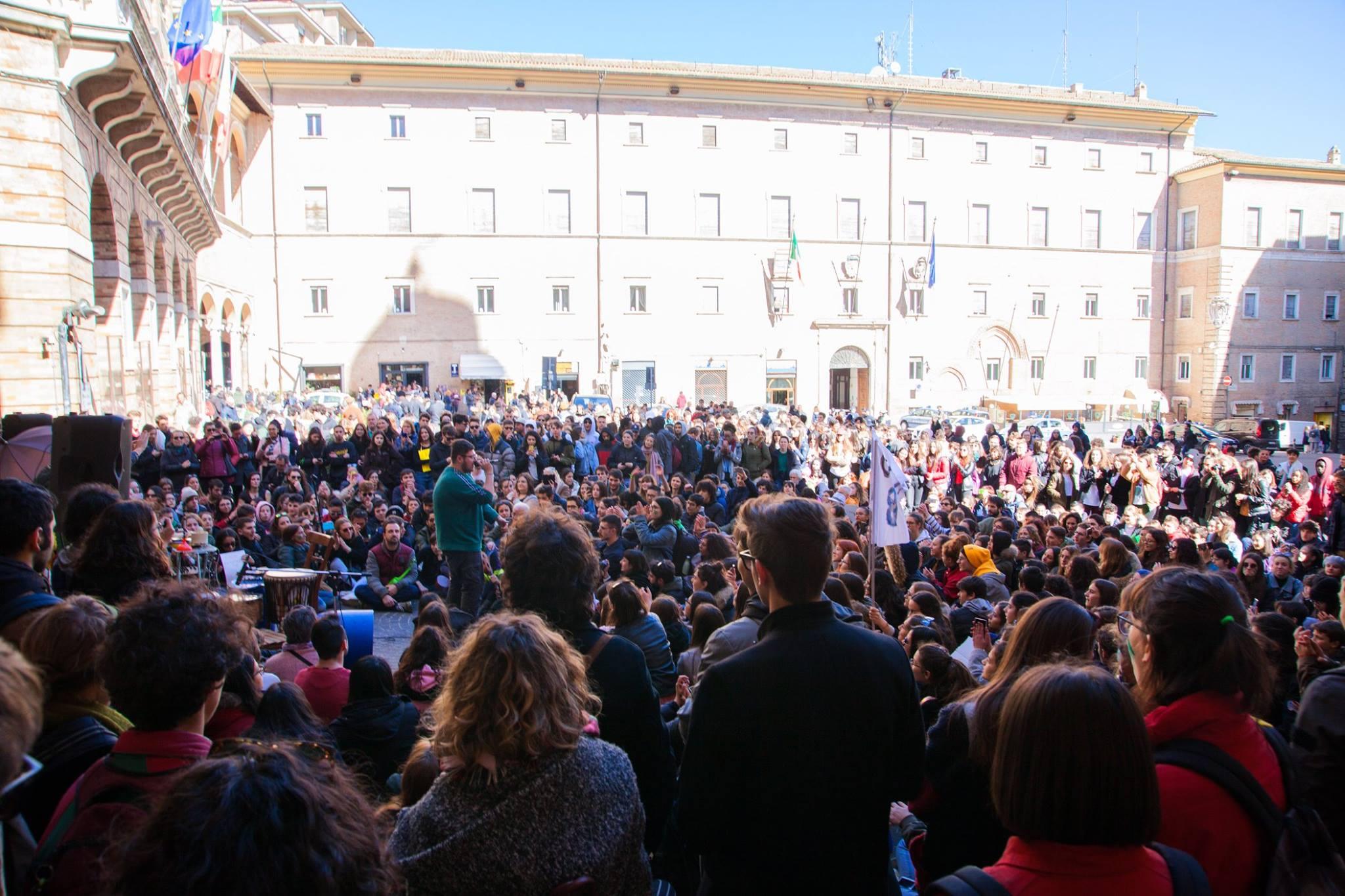 Unimc, solidarietà del rettore Adornato al Fridays For Future