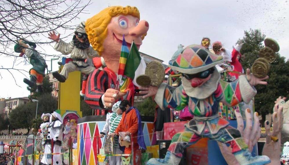 Carnevale Maceratese ai Giardini Diaz con 14 carri allegorici
