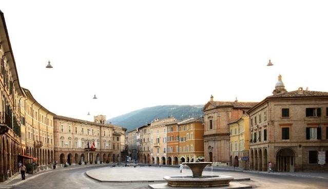 San Severino Marche, il sindaco ricorda vittima del coronavirus