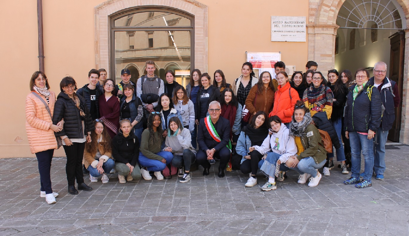 Macerata, studenti di Weiden ricevuti dal sindaco Carancini
