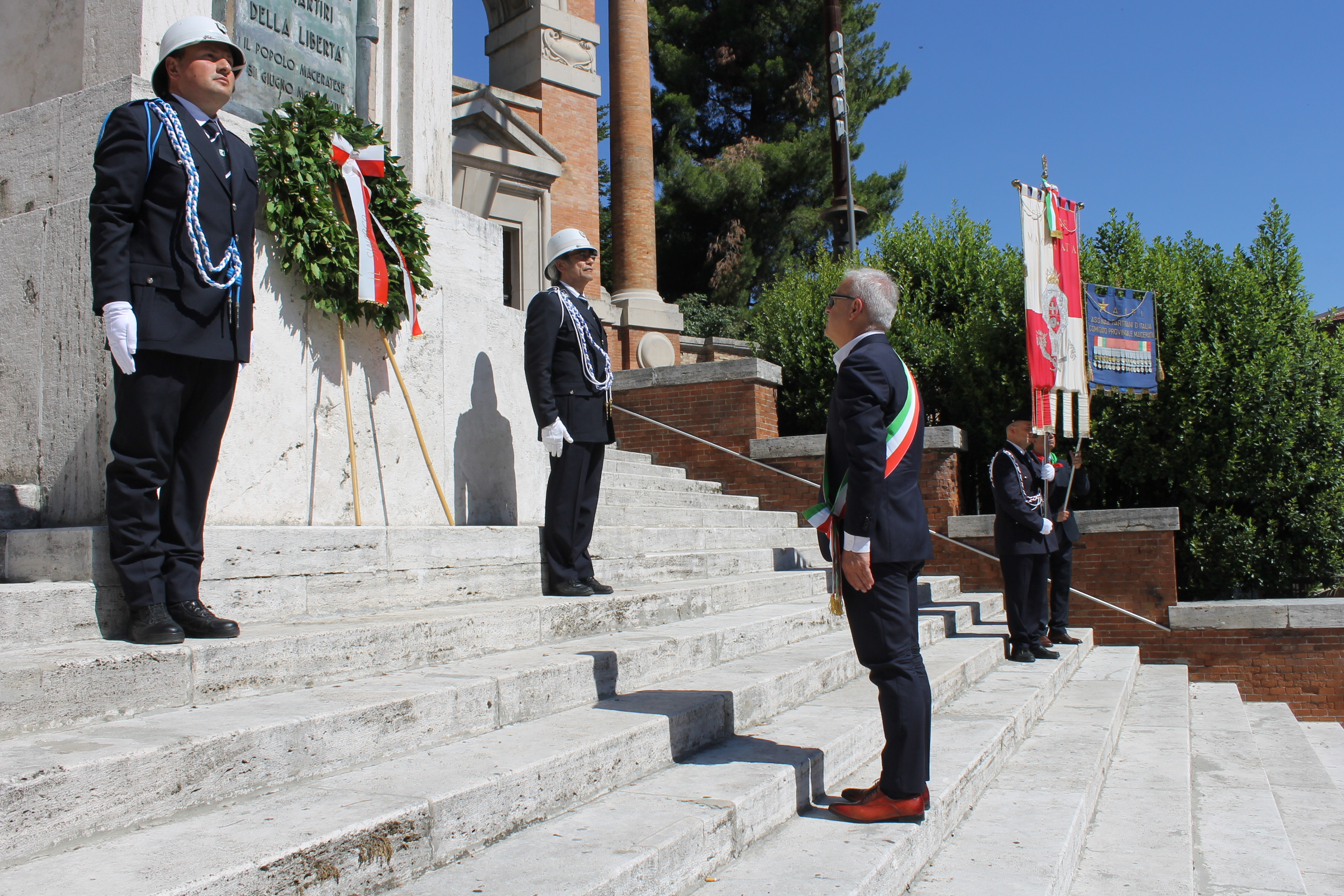 Macerata, anniversario della Liberazione al Monumento ai Caduti
