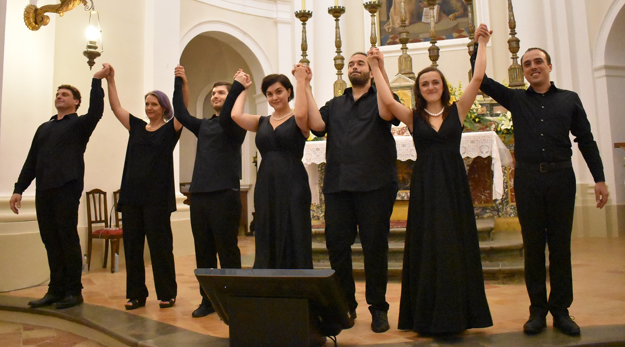 "Abbadia di Fiastra, ""Glissando vocal ensemble"" in concerto"