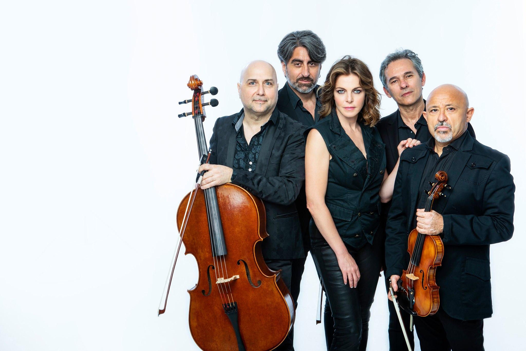 Civitanova M., Claudia Gerini canta e racconta Franco Califano