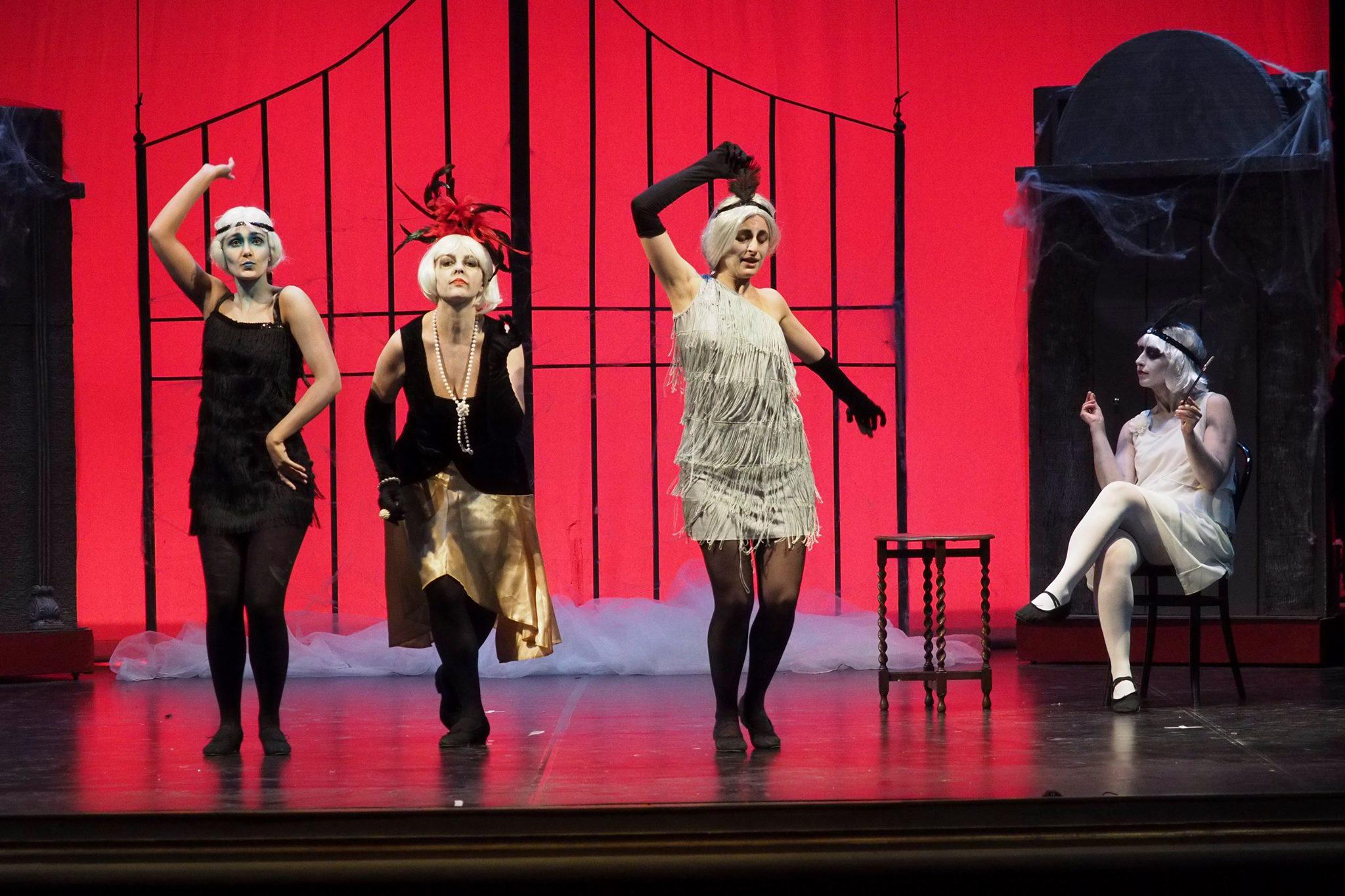 """""""Addams in Love"""", spettacolo di solidarietà al Lauro Rossi"""
