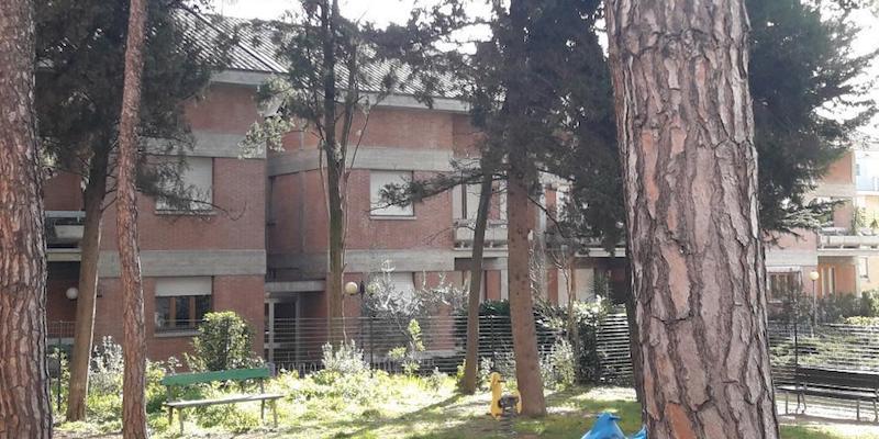 Macerata ricorda Pamela Mastropietro nel giardino di via Spalato