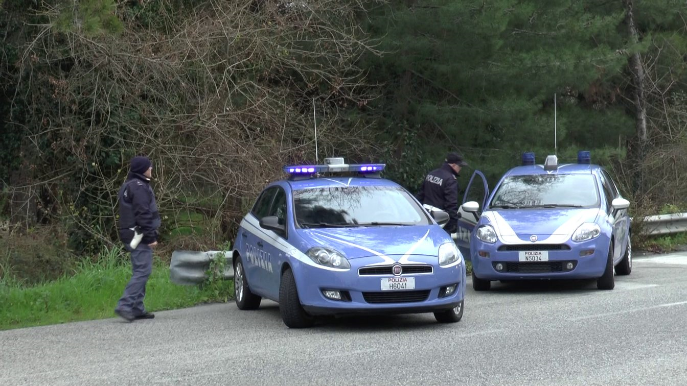 Macerata, la Polizia di Stato controlla stabili abbandonati