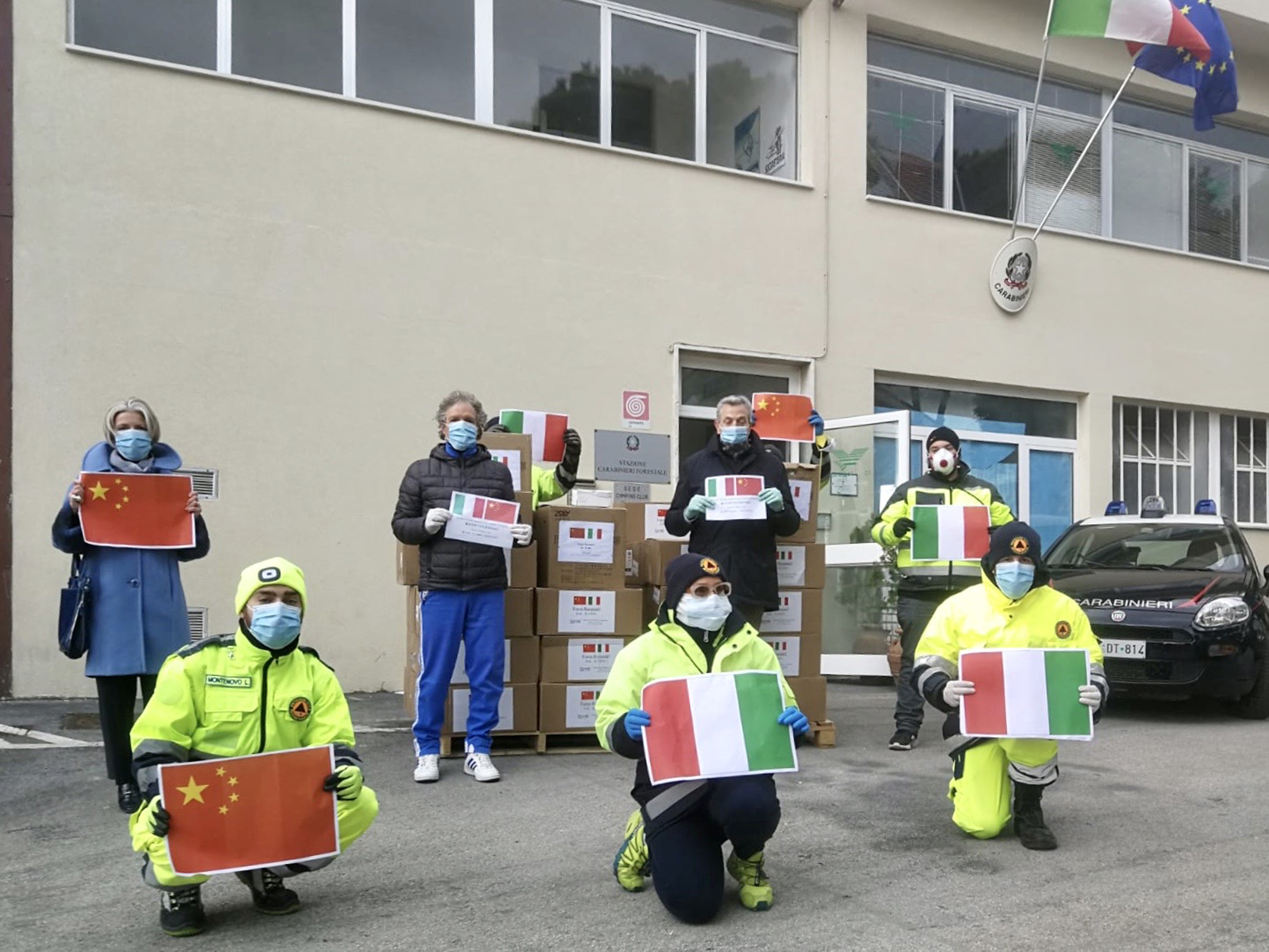 Recanati, arrivate 60mila mascherine donate dalla Cina