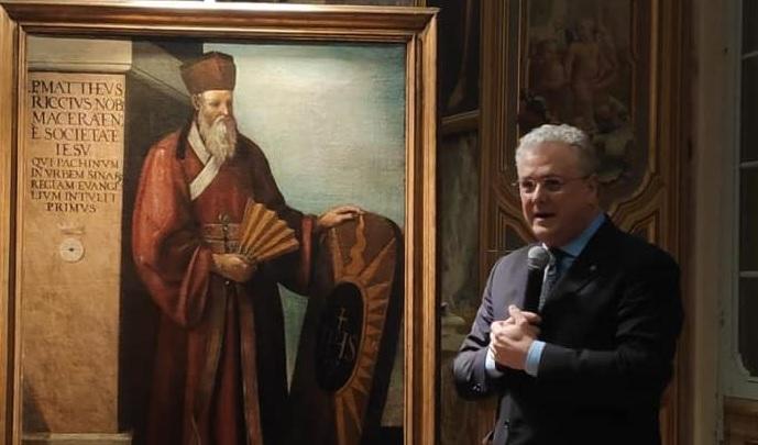 Rotary Club Matteo Ricci dona mascherine ai Servizi sociali