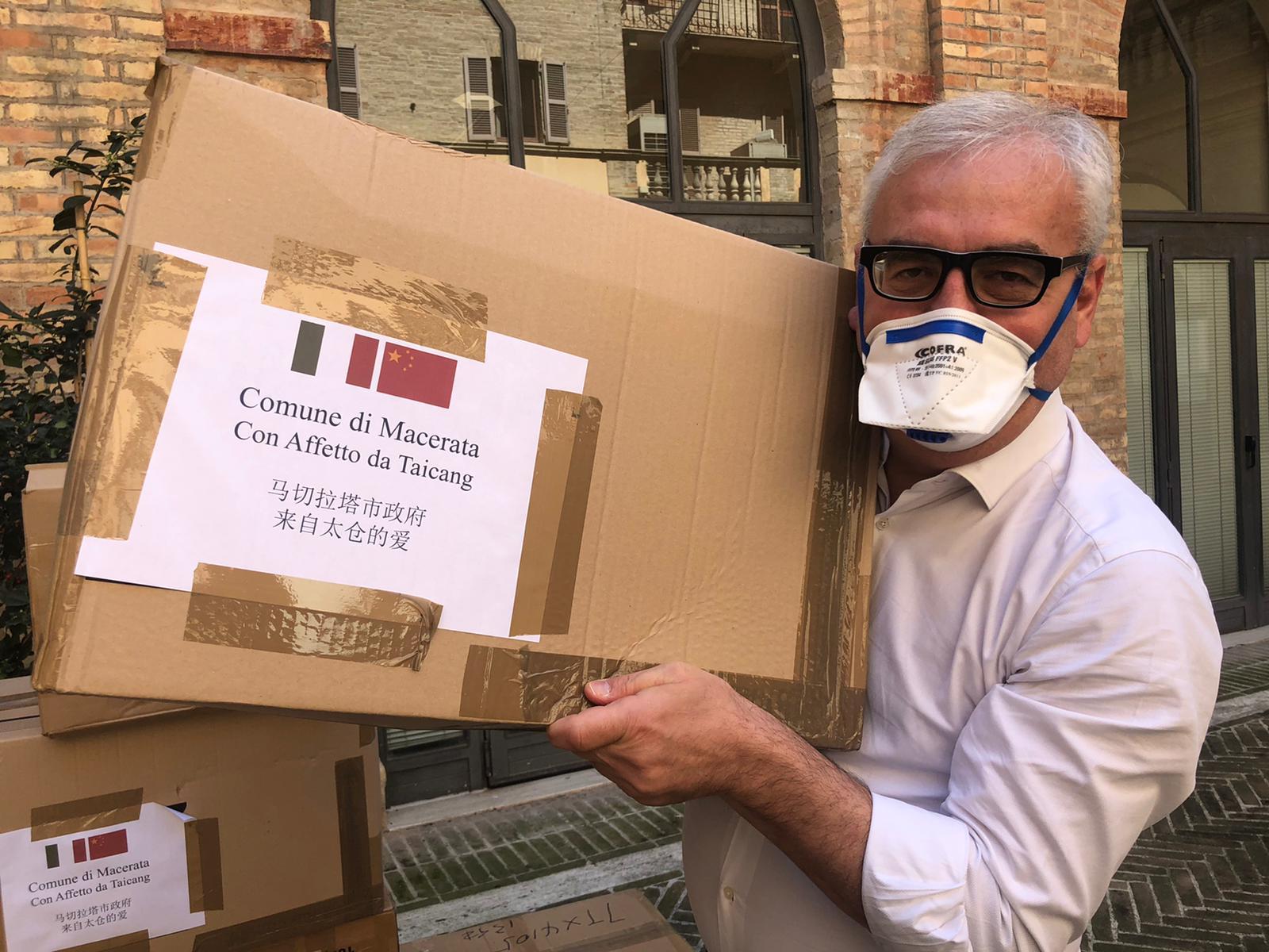 Macerata, arrivate mascherine dalla città cinese di Taicang