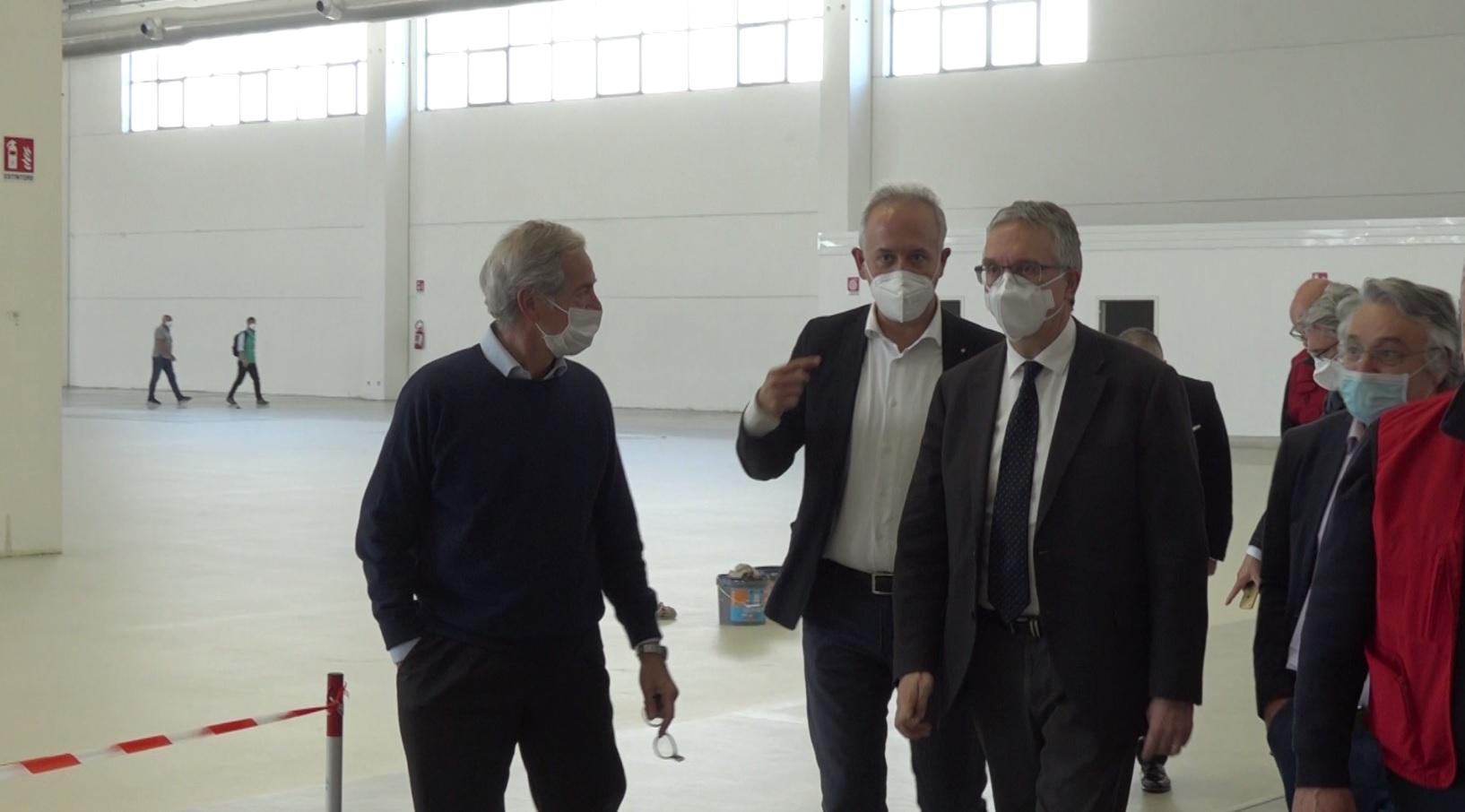 Guido Bertolaso a Civitanova Marche per l'ospedale Covid