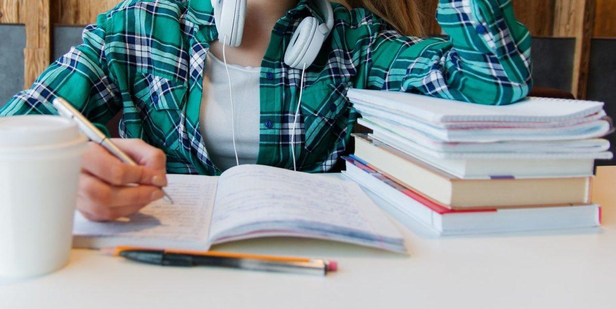 Macerata, borse di studio per studenti di scuola secondaria
