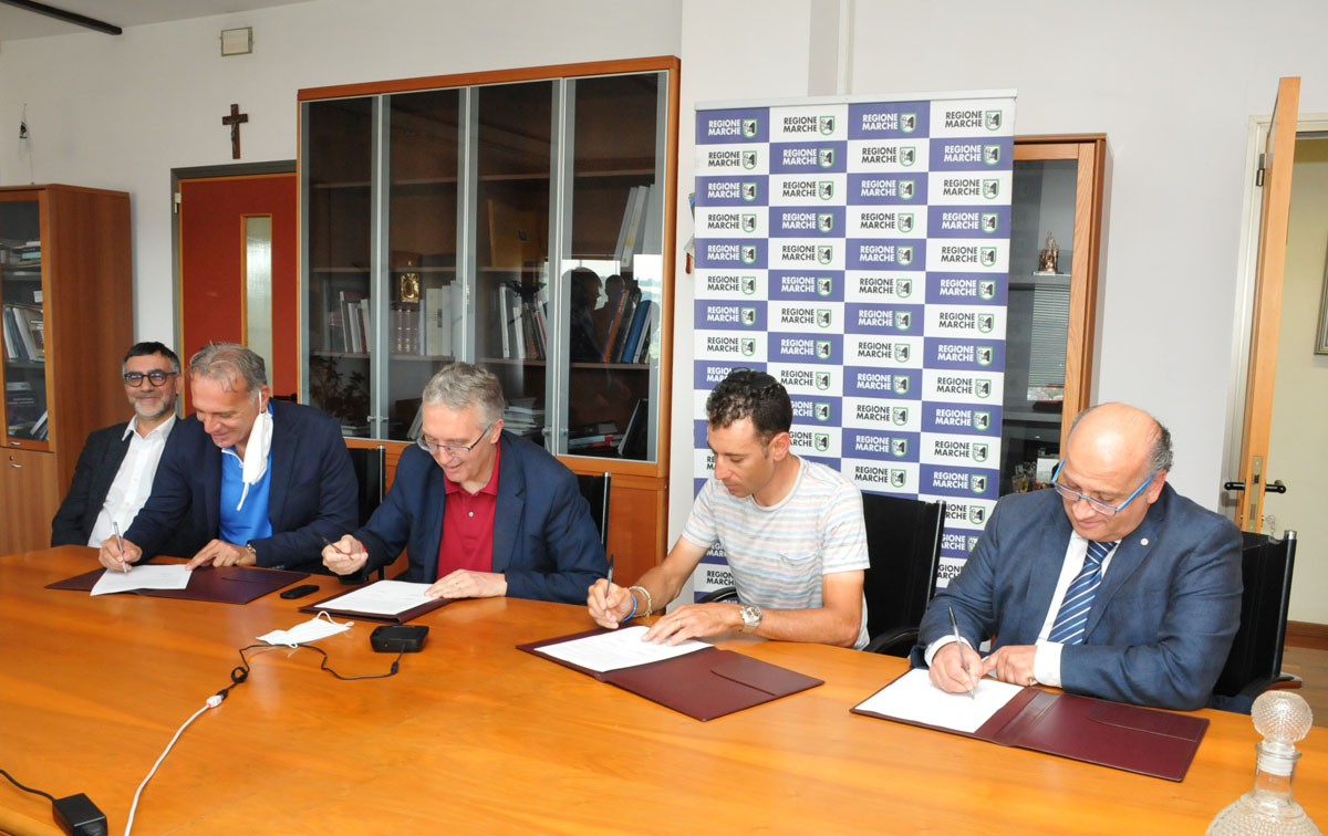 Vincenzo Nibali sarà ancora testimonial del turismo nelle Marche
