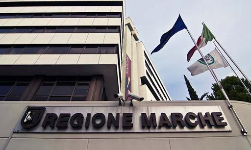 Regione Marche, riaperte le attività di centri sociali e circoli