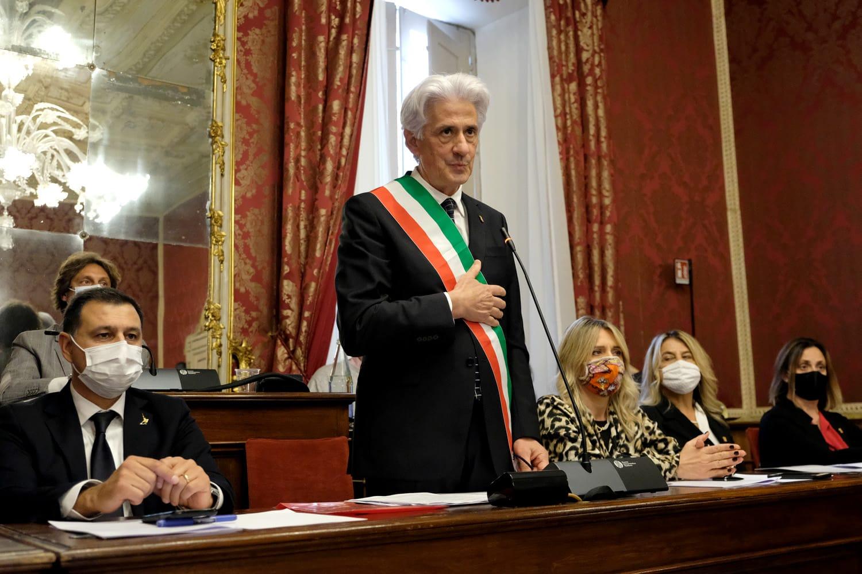 Macerata, appello del sindaco a rispettare le norme anti Covid-19