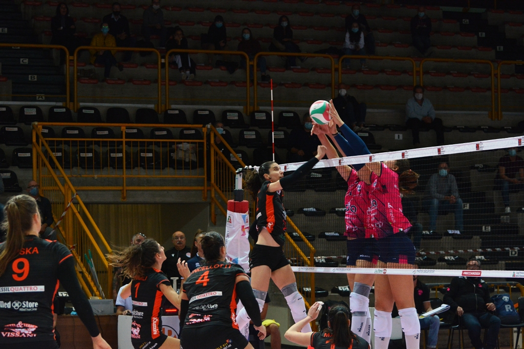 La CBF Balducci HR Macerata ospita l'Olimpia Teodora Ravenna
