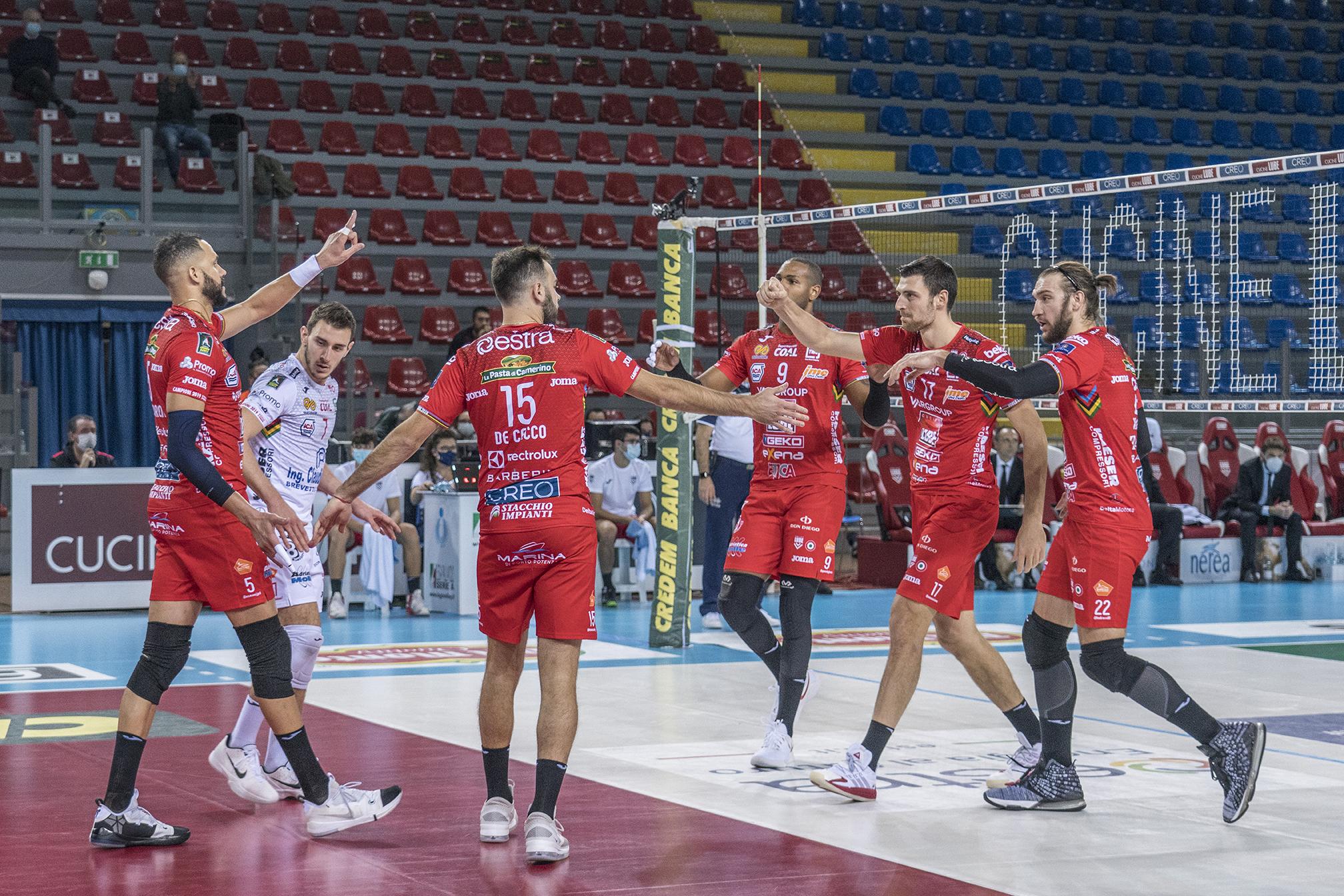 Lube torna a vincere, 3-1 alla NBV Verona con Simon MVP