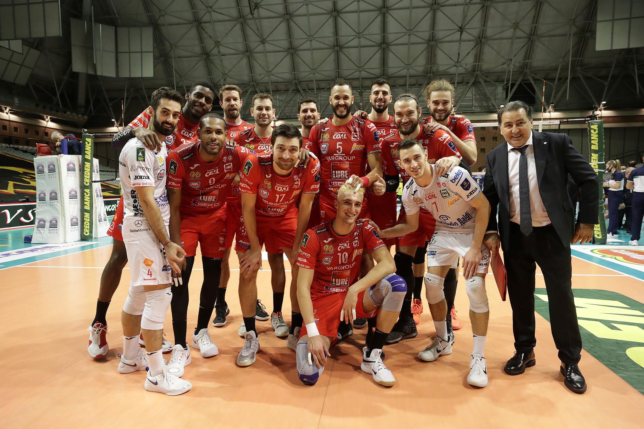 Lube vince a Ravenna (3-2), Juantorena guida la rimonta