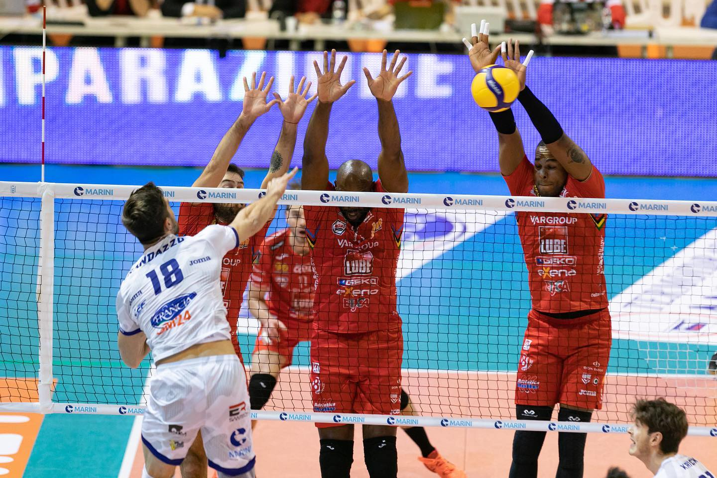 Lube vince 3-0 a Latina con Top Volley, Osmany Juantorena Mvp