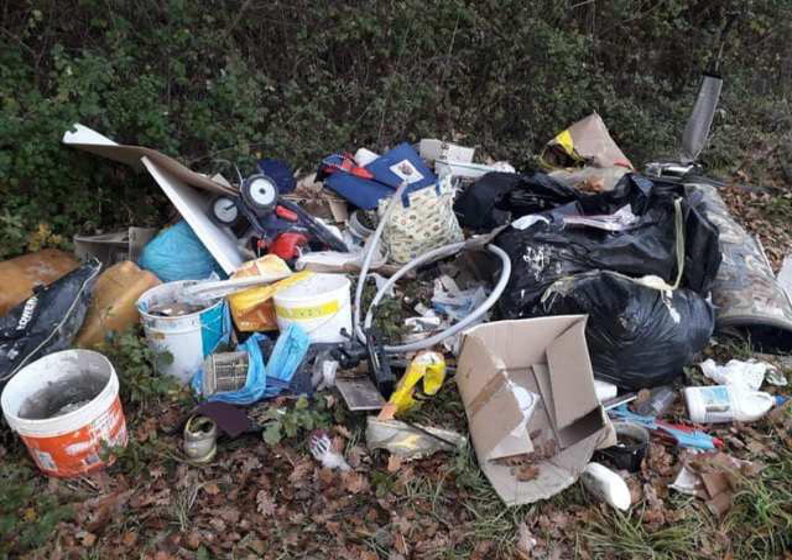 Macerata, individuati responsabili di abbandono rifiuti