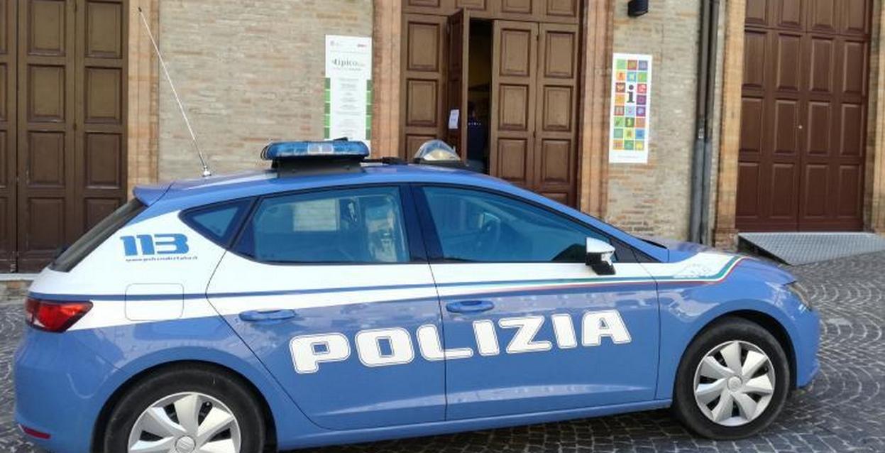 Polizia, a Macerata arrestato spacciatore e sequestrato hashish