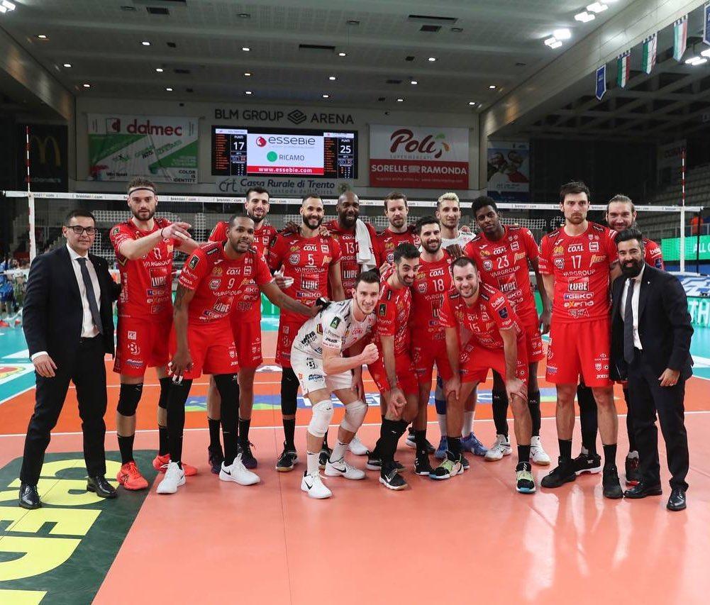 La Lube espugna Trento in 3 set, serie di semifinale in parità 1-1