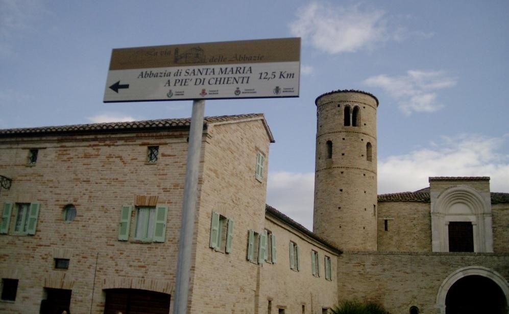 Pedalata sulla Ciclovia 77, partenza dall'Abbazia di San Claudio